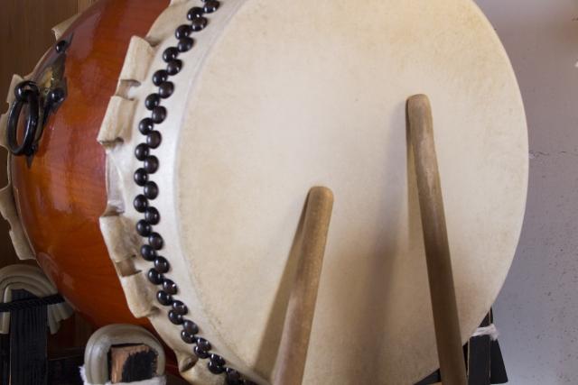 古から時を刻み続ける時の太鼓