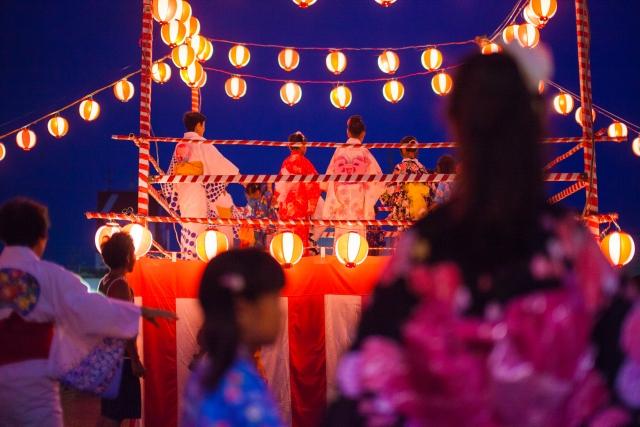 キリスト祭りでは古来より伝わる?ナニャドヤラ踊りが披露される