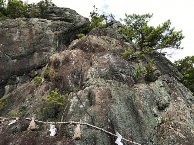 夫婦岩付近には強力なパワーを感じる人も多い