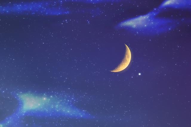 役小角が発見したとされる「月影の霊石」