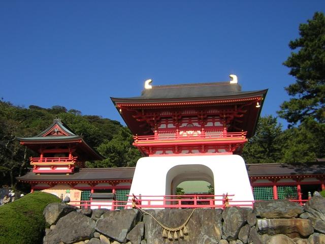安徳天皇陵と水天門