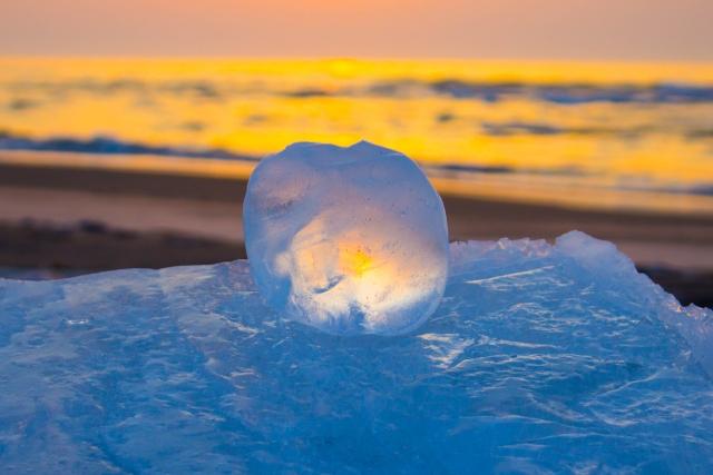 幻想的な氷献灯
